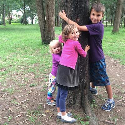 RaCo-Life-Iza-Hugging-a-Tree